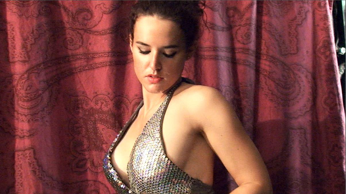 Laura 4 - Laura bailando