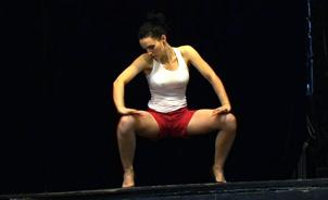 Arya 2 danse booty latex